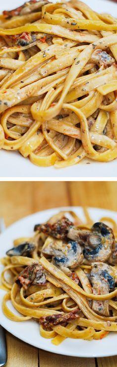 pasta met champignons en zongedroogde tomaatjes