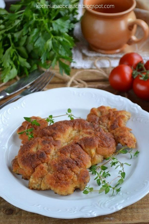 kuchnia na obcasach: Kotlety z karkówki marynowane w mleku i cebuli