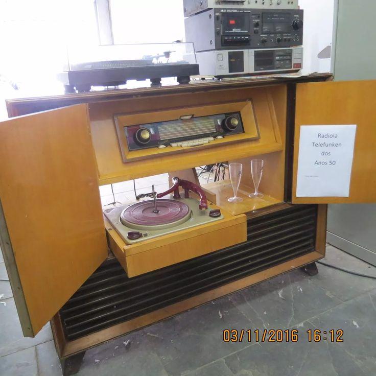 Radiola Alemã Valvulada Com Vitrola Telefunken - R$ 3.500,00 em Mercado Livre