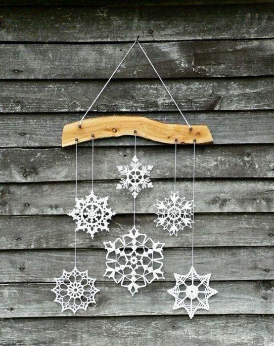 Décoration hivernale aux flocons de neige
