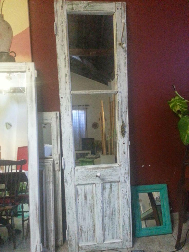 Puerta/perchero con espejo