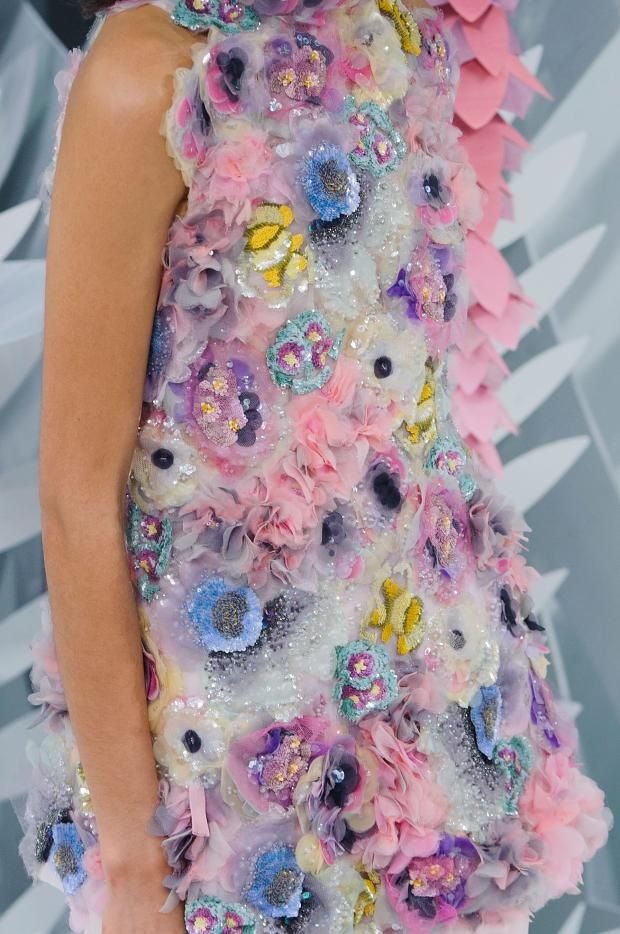 whore-for-couture: mulberry-cookies: Chanel Spring 2015 Haute Couture (Details) Haute Couture blog :)