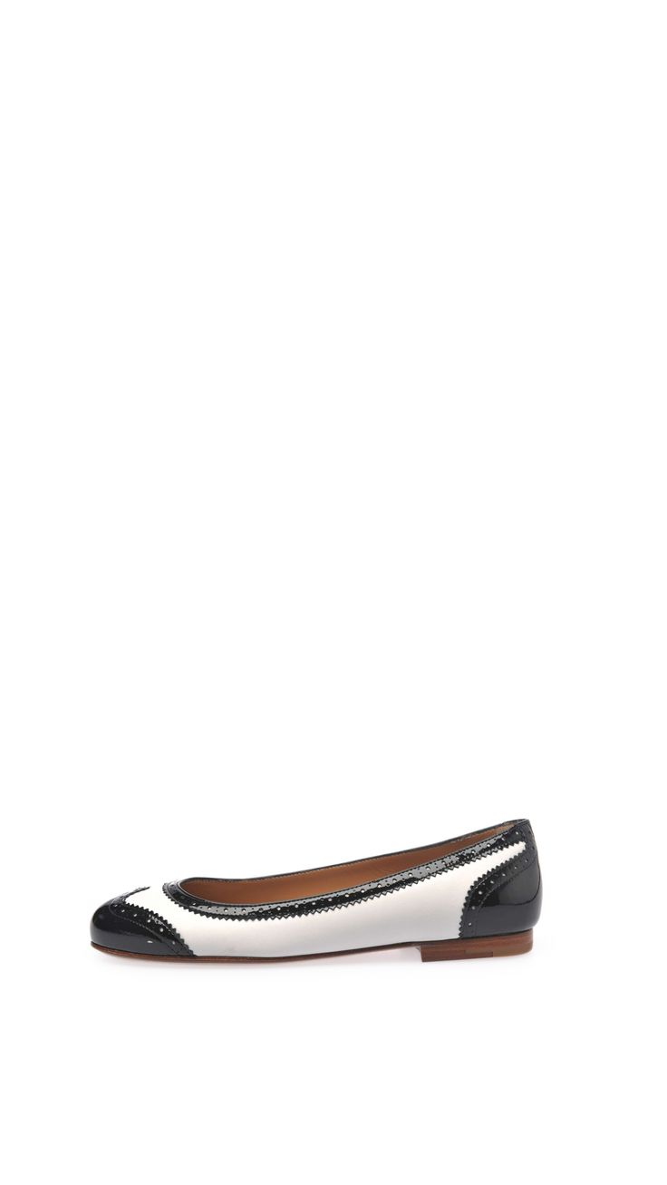 Church's Patent nappa leather ballet pumps, 0.4 inch - 1 cm heel, leather lining and sole.