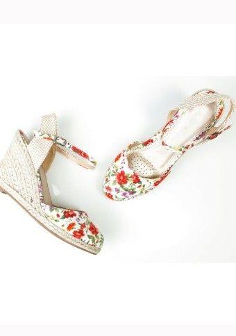 Sandály s potiskem květin na klínovém podpatku #ModinoCZ
