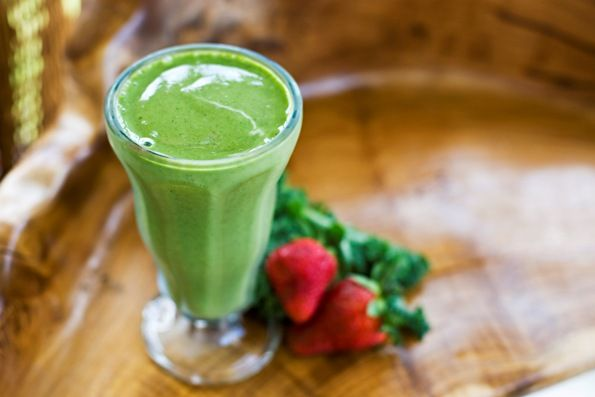 The Green Detox Smoothie Helps with:  •Pale skin colour and poor skin tone  •Dark circles under the eyes (Finally! Now you know why and how to get rid of them!)   •Yellow-coated tongue (Eeeew.)  •Bitter taste in the mouth  •Headaches  •Irritability, moodiness, even anger (No use trying to blame it on him! It's your liver!)   •Premenstrual tension  •Arthritis  •Inability to digest fats