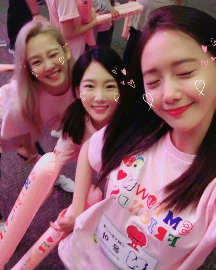 Yoona, Taeyeon, Hyoyeon at smtpwn workshop in Jeju