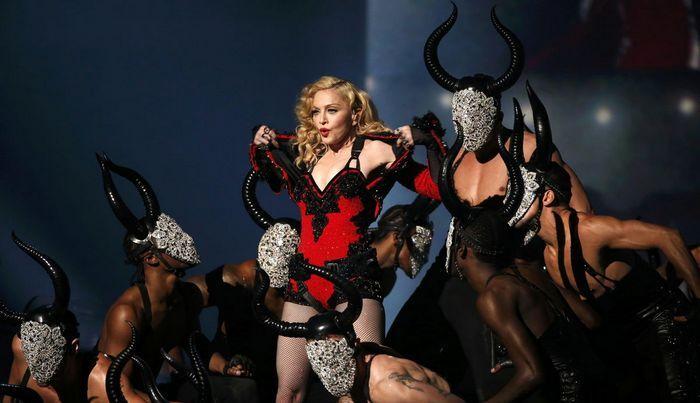 Madonna meleg férfiak randizó alkalmazásában promótálja új lemezét http://sweetcandy.hu/meleg/madonna-meleg-ferfiak-randizo-alkalmazasaban-promotalja-uj-lemezet/