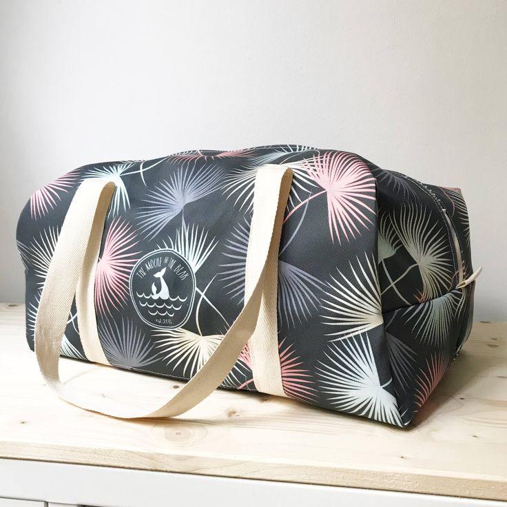 Palm Leaves Duffle Bag - weekender bag - gym bag - overnight - beach bag - vegan bag - nursery bag - surf style - summer - women fashion