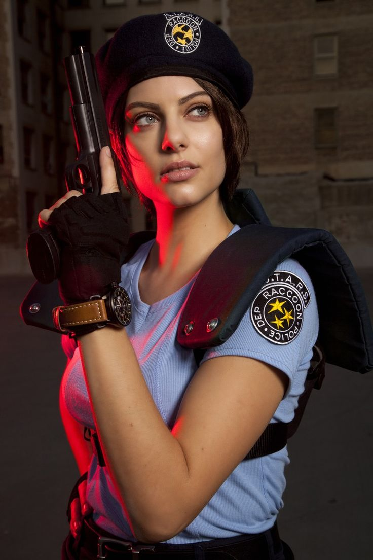 Wrap Your Head Around This Jill Valentine Cosplay From Jill Valentine Actress - IGN