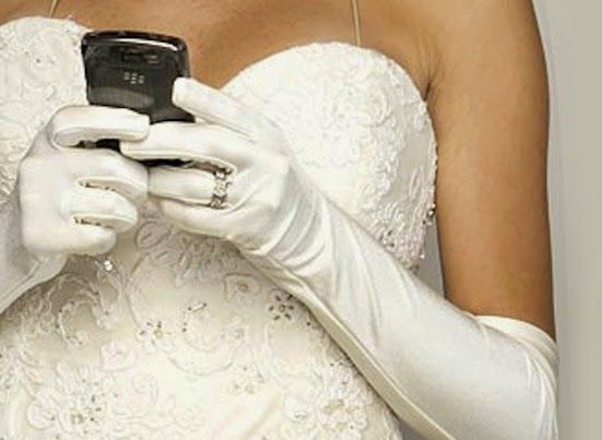 How Having a Wedding Website Can Reduce Your Mobile Phone Bill!