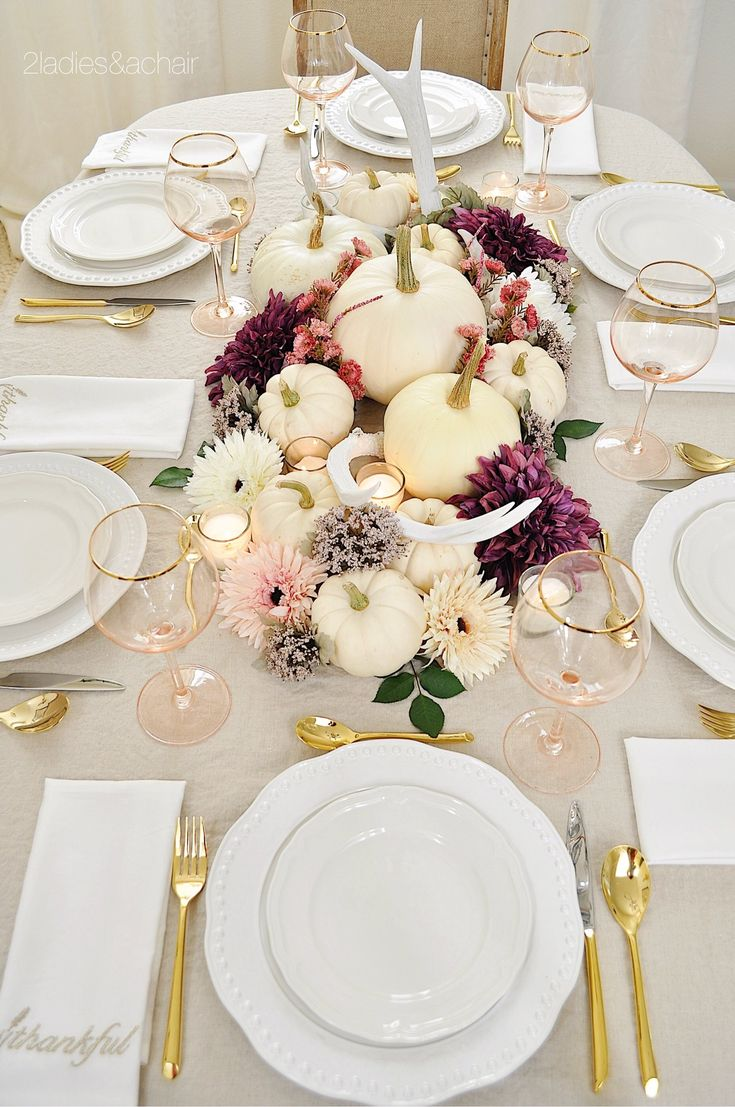 Aren't these napkins perfect? I found them at HomeGoods. The gold embroidery is beautiful and speaks to the holiday. The blush gold rimmed glassware is so festive, also from HomeGoods! Sponsored by HomeGoods