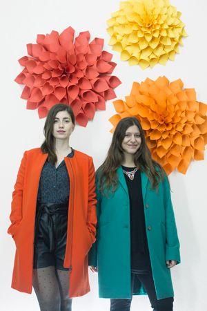 Τρισδιάστατα χάρτινα λουλούδια, κατασκευασμένα για το σκηνικό παρουσίασης της ανοιξιάτικης συλλογή ρούχων της εταιρίας Benetton. Δείτε περισσότερα έργα μας στο http://www.artease.gr/interior-design/emporikoi-xoroi/
