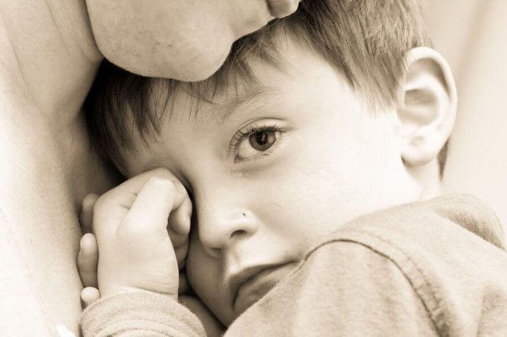 7 comportements toxiques dont les parents ne sont pas toujours conscients. Quand ils naissent, les enfants n'arrivent pas avec un manuel sous le bras qui nous permettent d'être les meilleurs parents du monde. De fait, souvent, nous tombons dans certains comportements toxiques qui se répercutent négativement sur leur développement.