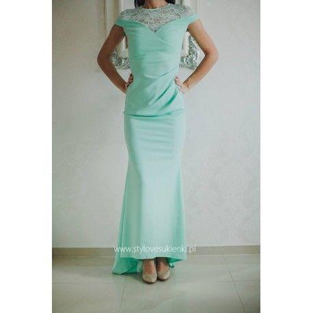 Miętowa długa sukienka na wesele z koronką i trenem