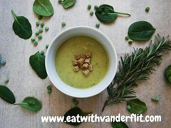 Суп-пюре из зелёного горошка и кабачка