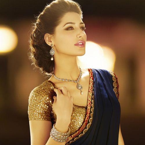 Nargis Fakhri in sari. Her hairstyle is one of my favorites.