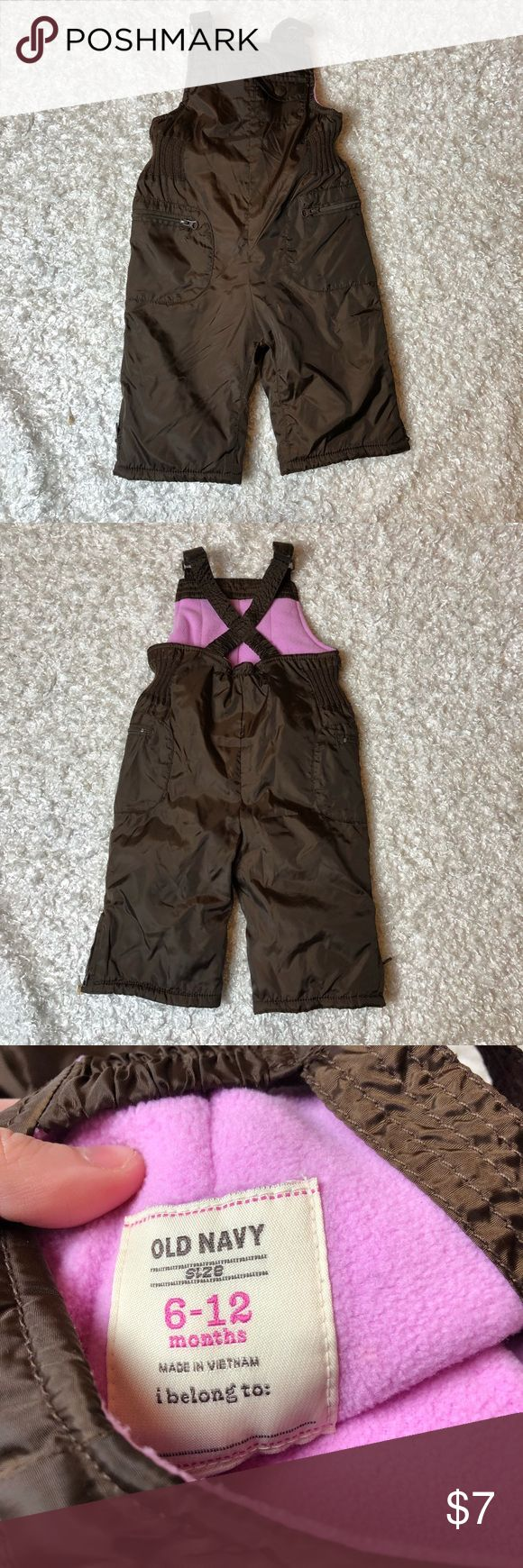 Girls old navy snow bib suit Size 6-12 months, the material is fleece on the inside. Bundle and save! Old Navy Bottoms Overalls