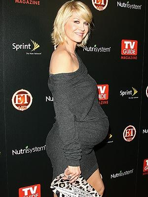 Jenna Elfman: Hot Mama! http://celebritybabies.people.com/2009/11/12/jenna-elfman-hot-mama/