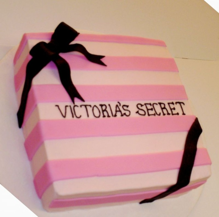 EEEEEEeeee! A VS Cake! <3 Victoria's Secret