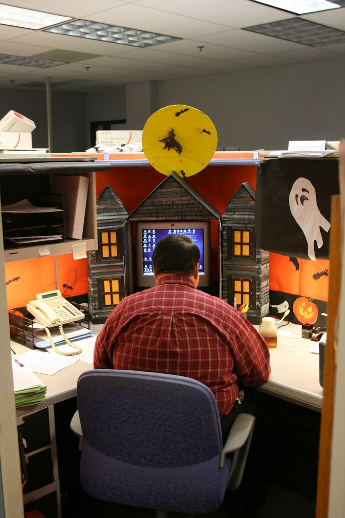 Halloween cubicle | This guy is serious about Halloween. | By: weege | Flickr - Photo Sharing!