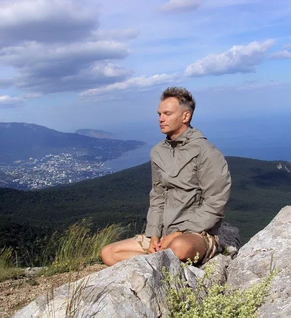 Business Insider: After 5 Years Of Practicing Mindfulness Meditation, I've Realized Why People Think It's Impossible: From the new Downdog Diary Yoga Blog found exclusively at DownDog Boutique. DownDog Diary brings together yoga stories from around the web on Yoga Lifestyle... Read more at DownDog Diary