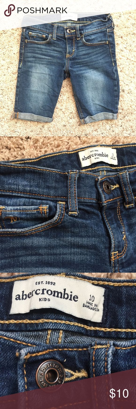 •Abercrombie Girl Shorts• Abercrombie Girls Shorts  Perfect for school, not too short!  Excellent Condition abercrombie kids Bottoms Shorts