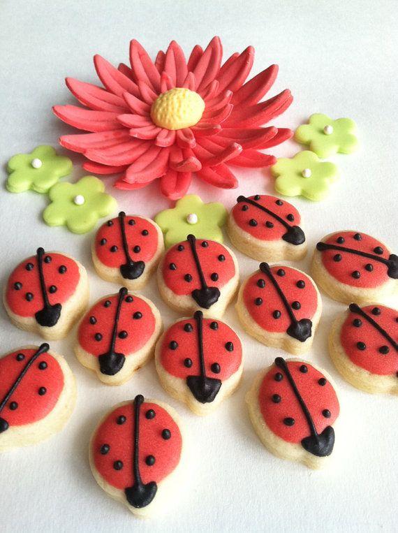 Ladybug Mini Sugar Cookies 6 dozen by FunSugarCookie on Etsy, $13.00Ladybugs Cookies, Sugar Cookies, Ladybugs Minis, Minis Dog Qu, Sweets Treats, Ladybugs Sugar, Minis Sugar, Lady Bugs, Teas Parties
