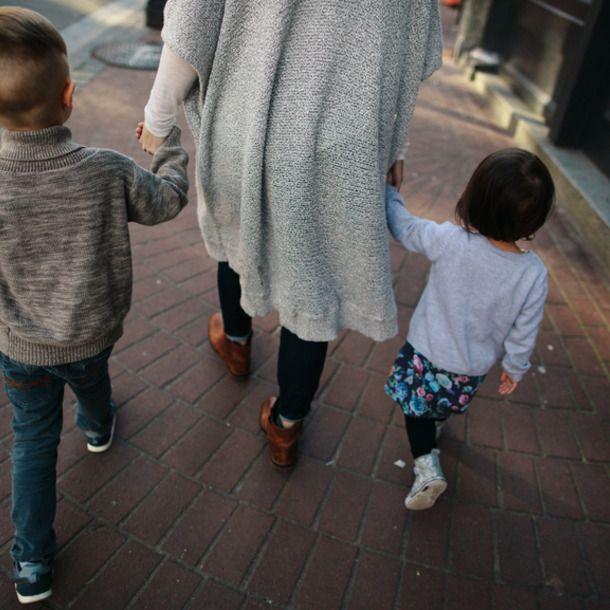 16 способов взбодрить ребенка на прогулке - Полавкам