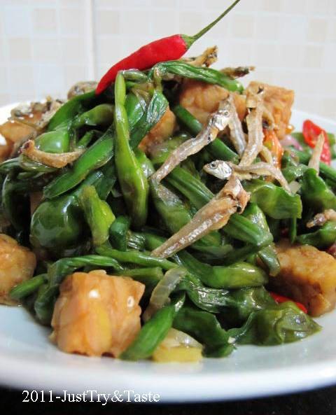 Just Try & Taste: Tumis Bunga Genjer dengan Tempe & Teri
