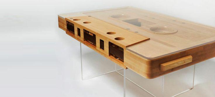 http://www.wikinoticia.com/images2//s1.monkeyzen.com/files/2012/05/Mesa-de-caf%C3%A9-audio-casete-madera-reciclada.jpg
