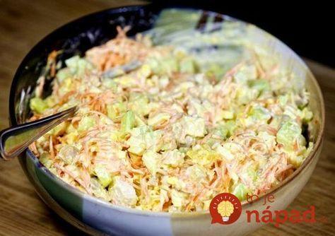 Lahodný šalátik z kuracieho mäsa, šunky, vajec a šťavnatej zeleniny. Na tejto dobrote si pochutná určite celá rodina!