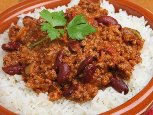 poivre, haricot rouge, Viandes, oignon, huile d'olive, ail, chili, tomate pelée, sel