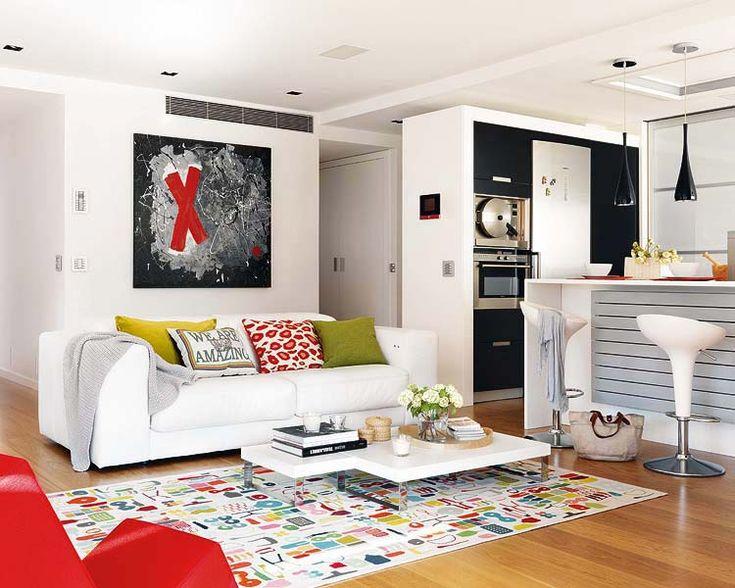 Красочный дизайн интерьера небольшой квартиры