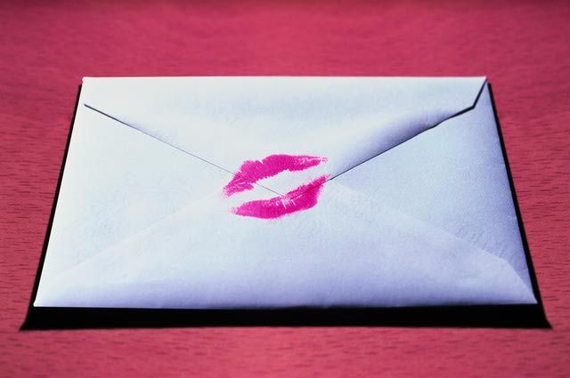 9 Tips for Writing Love Letters That Get Their Attention