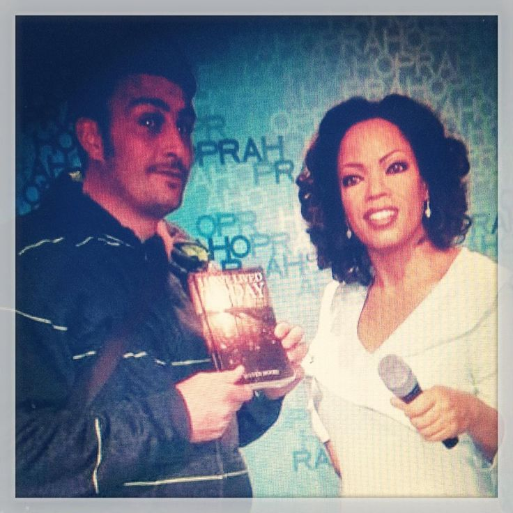 "#StevenMooreAuthor's March ""#IHaveLivedToday"" #WorldBookTour is with #Oprah in #Amsterdam  Hope she likes the book? Maybe include it in her #opraksbookclub"