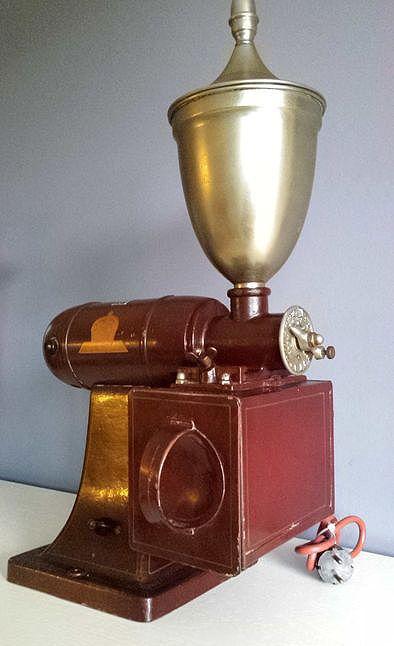 "Online veilinghuis Catawiki: Grote elektrische Koffiemolen ""Die Krone""  - ca. 1950 - Duitsland"