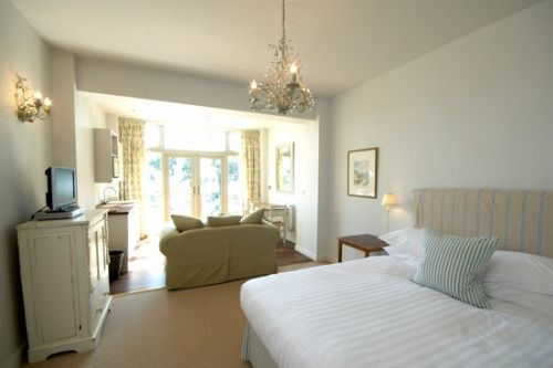 Rosevine- Manare Apartment at Baby Friendly Boltholes