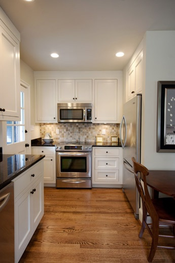 Best White Shaker Cabinets Wood Flooring And Nice Neutral 400 x 300