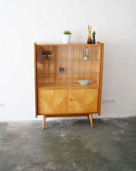die besten 17 ideen zu barschrank auf pinterest kaffee ecke geschirrschrank dekor und. Black Bedroom Furniture Sets. Home Design Ideas