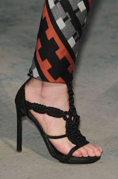 Proenza Schouler, sandali in macramè: Macramè, Foto Galleries, Galleries Pianetadonna It