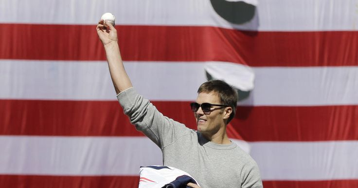 News Blitz 7/11: Tom Brady in a Ken Griffey Jr. jersey?