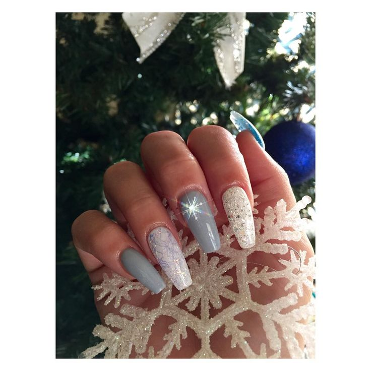 Christmas Nails Acrylic Long: Snowflakes * White + Gray + Silver Let It Snow Long Coffin