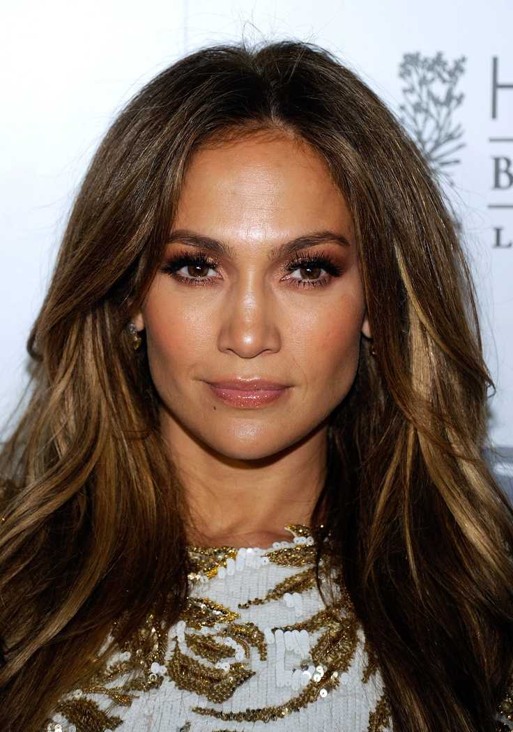 J.Lo Hair color and natural looking makeup