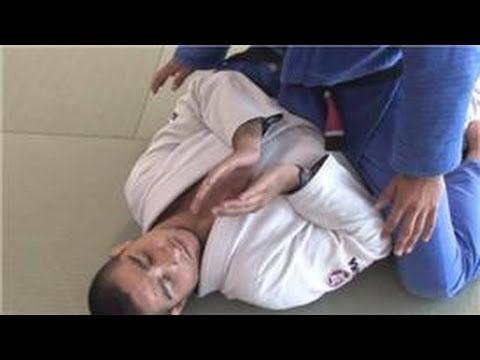 ▶ Brazilian Martial Arts Techniques : Basic Jiu Jitsu Techniques - YouTube REPLACE THE GUARD