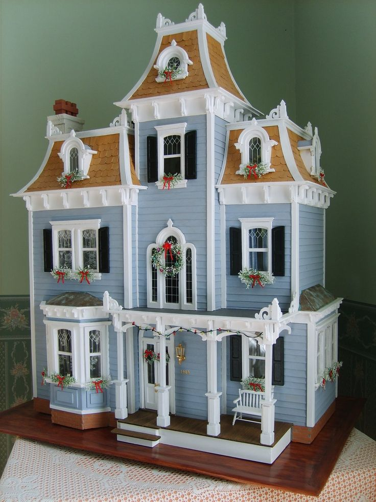 Beacon Hill Christmas dollhouse