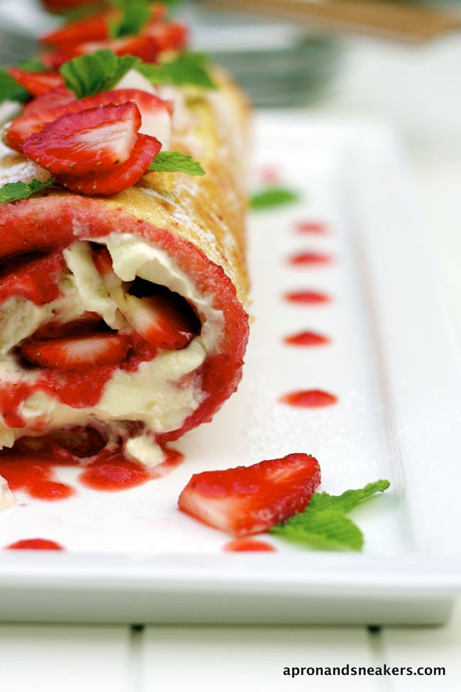 Apron and Sneakers - Cooking & Traveling in Italy: Strawberry & Mascarpone Swiss Roll