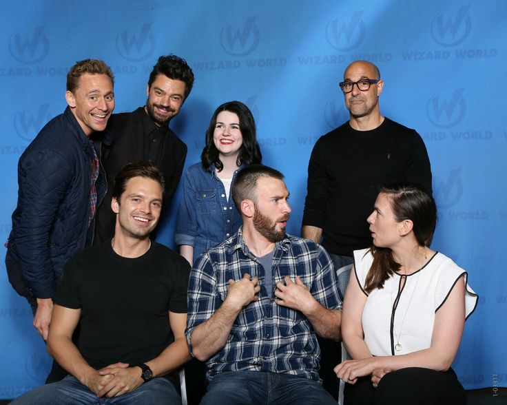Tom Hiddleston, Chris Evans, Sebastian Stan, Dominic Cooper, Hailey Atwell and Stanley Tucci. One photo. OMG!!!