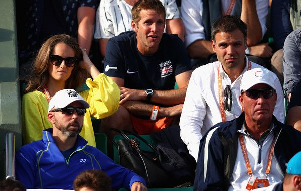 Kim Sears Photos Photos - Wife of Andy Murray, Kim Sears, watches on with Andy Murray's training team during the mens singles quarter finals match between Kei Nishikori of Japan and Andy Murray of Great Britain  on day eleven of the 2017 French Open at Roland Garros on June 7, 2017 in Paris, France. - 2017 French Open - Day Eleven