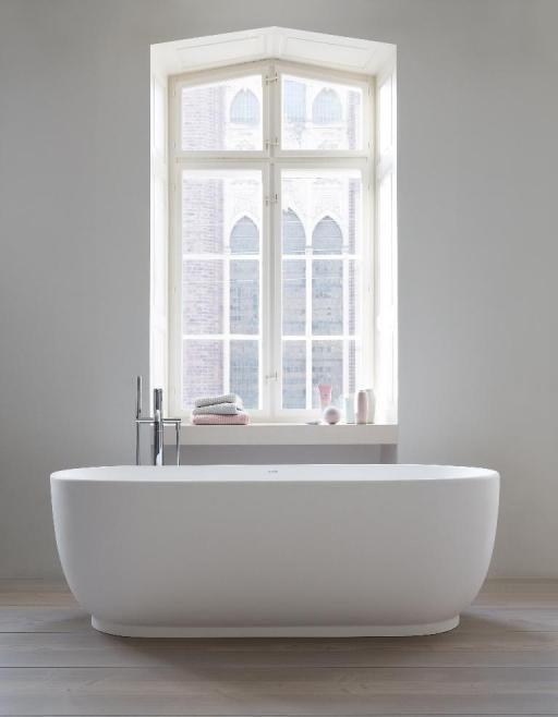 Duravit Luv: free-standing bathtub