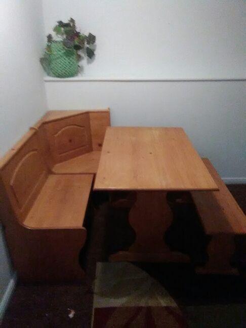 Corner kitchen table (Furniture) in Salt Lake City, UT - OfferUp
